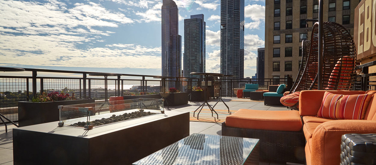 ebony_jet_building_chicago_roof_deck_1250_550-4