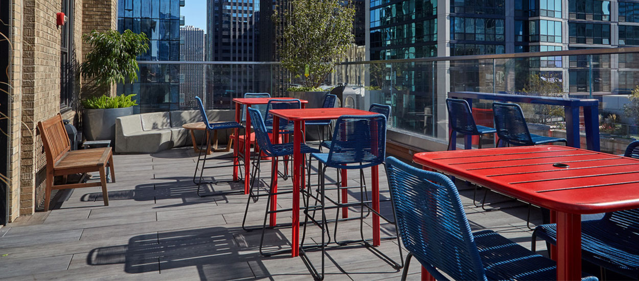 virgin_hotel_chicago_roof_deck_1250_550-4