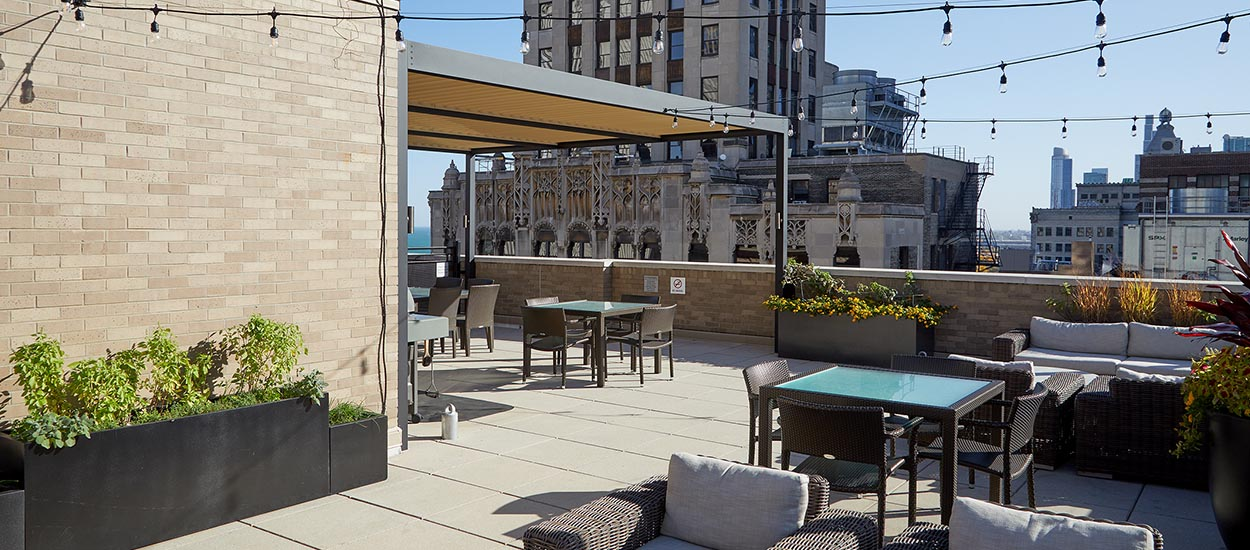 penthouse_roof_deck_amenity_space_1250_550-6