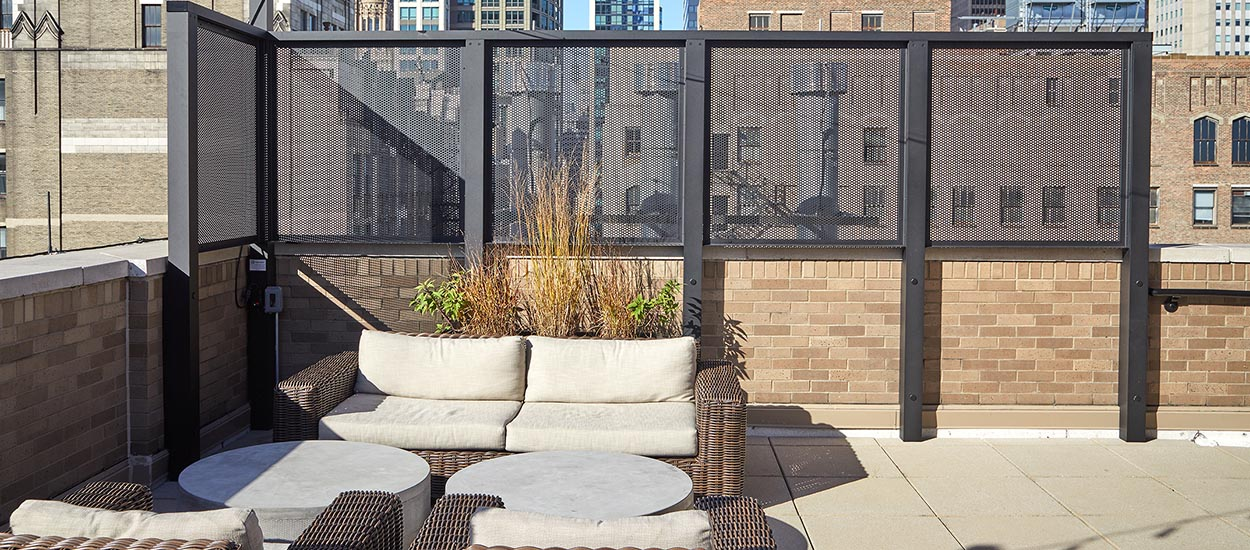 penthouse_roof_deck_amenity_space_1250_550-7