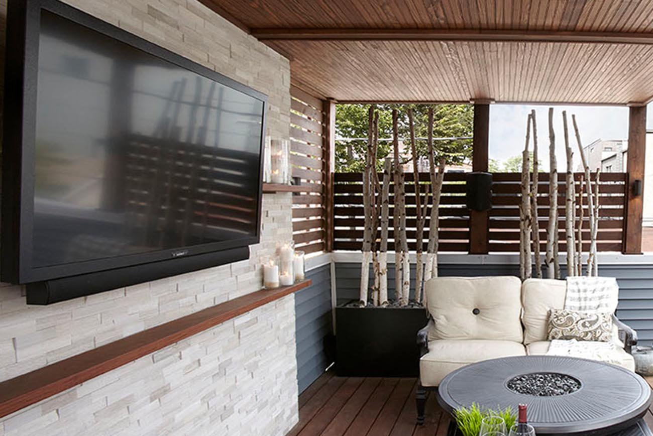 How to Organize A/V Entertainment Systems on Your Rooftop Deck
