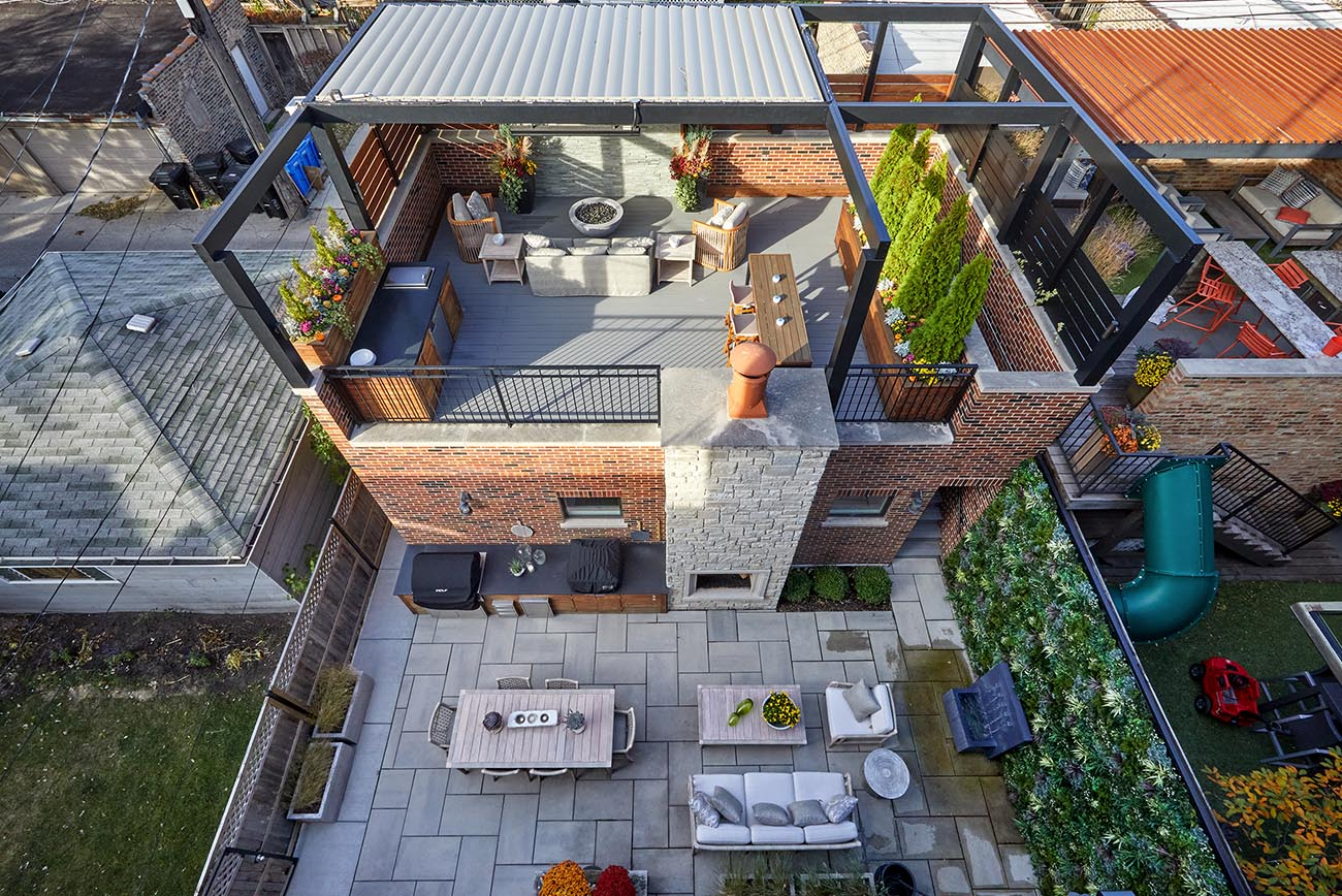 Thinking of Investing in a Roof Deck? How to Get the Maximum ROI